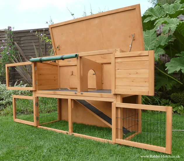 Highrove Rabbit hutch