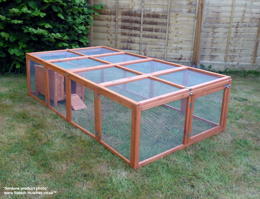 large folding run with a hutch