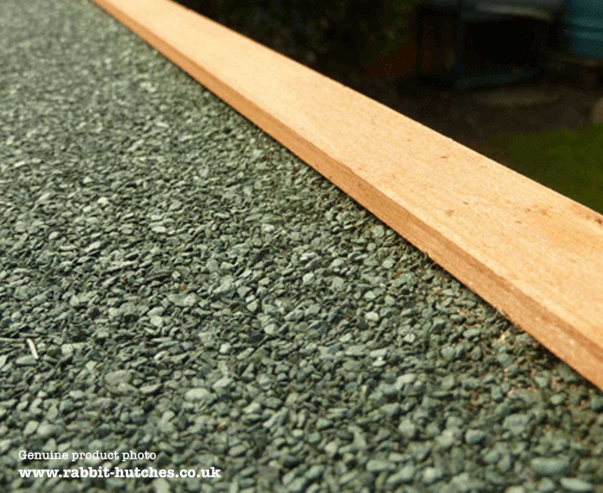 Lined felt hutch roof